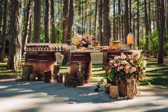 """banketnaya-ploshhadka-12-564x376 Стильная подача самой """"вкусной"""" свадебной зоны: оформляем банкетную площадку., картинка, фотография"""