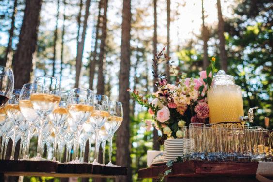 """banketnaya-ploshhadka-13-564x376 Стильная подача самой """"вкусной"""" свадебной зоны: оформляем банкетную площадку., картинка, фотография"""