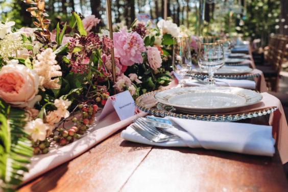 """banketnaya-ploshhadka-5-564x376 Стильная подача самой """"вкусной"""" свадебной зоны: оформляем банкетную площадку., картинка, фотография"""