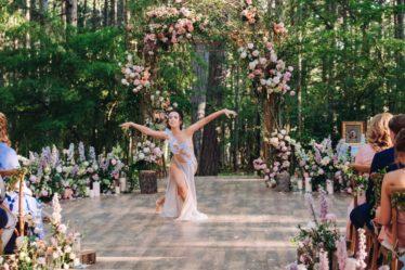 Artisty-na-svadbu-8-1024x683-374x249 Чем удивить гостей на свадьбе. Артисты на свадьбу., картинка, фотография