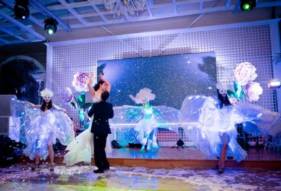 Artisty-na-svadbu-9-557x380 Чем удивить гостей на свадьбе. Артисты на свадьбу., картинка, фотография