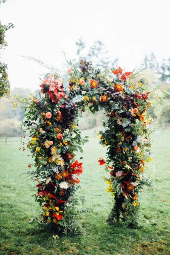 dekor-osennej-svadby-7-563x846 Оформление свадьбы осенью в Крыму., картинка, фотография