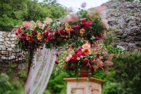 Svadebnaya-floristika-1-564x376 Цветы на свадьбу: три стиля свадебной флористики., картинка, фотография