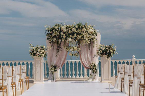 Svadebnaya-floristika-17-564x376 Цветы на свадьбу: три стиля свадебной флористики., картинка, фотография