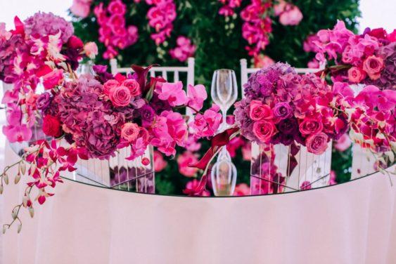 Svadebnaya-floristika-6-1024x683-563x376 Цветы на свадьбу: три стиля свадебной флористики., картинка, фотография