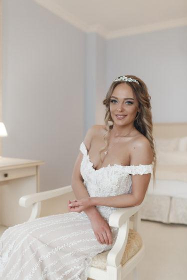 Svadebnye-ukrasheniya-8-374x561 Гид по стилю: как выбрать свадебные украшения., картинка, фотография