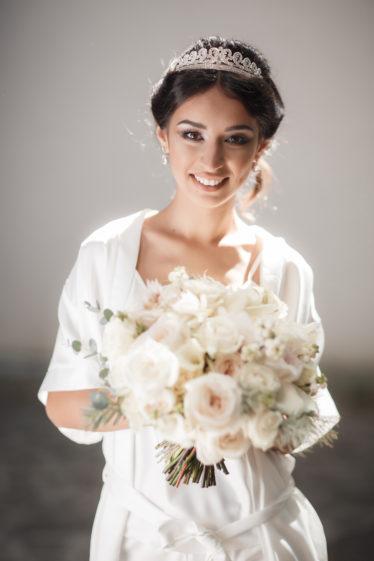 Svadebnye-ukrasheniya-9-374x561 Гид по стилю: как выбрать свадебные украшения., картинка, фотография