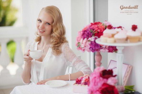 buduarnoe-utro-nevesty-1-595x396 Оформление свадьбы цветами, картинка, фотография