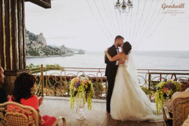 krasivaya-svadba-v-Krymu-2-374x249 Свадьба в Крыму, самые красивые места., картинка, фотография