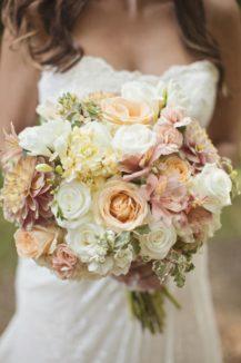 neznoe-oformlenie-svadby-Krym-4-217x326 Свадебное оформление - 5 важных моментов, картинка, фотография