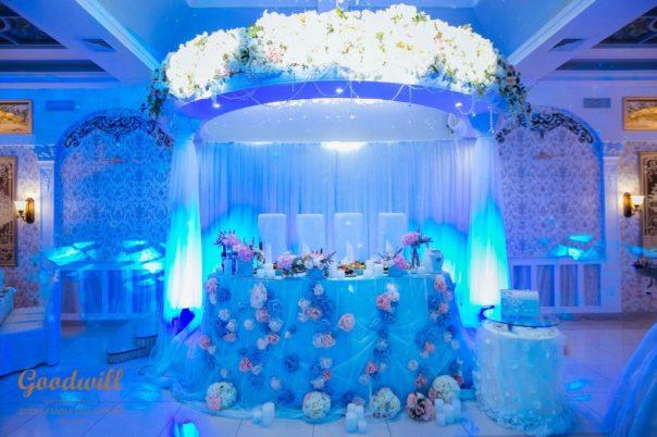 svadebnyj-stol-dekor-i-oformlenie-3-604x402 Свадебный стол: декор и оформление, картинка, фотография