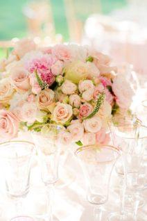 neznye-cvety-na-svadbu-212x318 Цветы на свадьбу: выбираем сами и с флористом, картинка, фотография