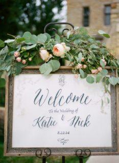 neznye-cvety-na-svadbu-v-Krymu-233x318 Цветы на свадьбу: выбираем сами и с флористом, картинка, фотография