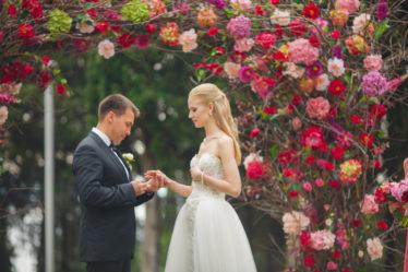 svadebnaya-ceremoneya-Krym-374x249 Сколько стоит организация свадьбы в Крыму?, картинка, фотография