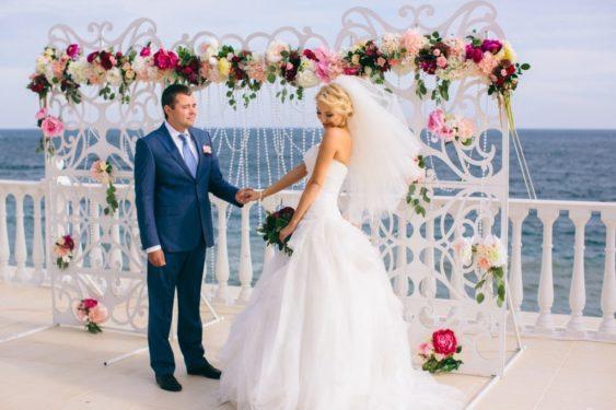 svagba-v-krumy-y-moryia-2--563x375 Где провести выездную церемонию в Крыму: советы свадебных организаторов, картинка, фотография