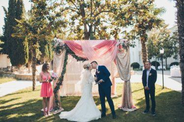 vuezdnaya-ceremoniyav-krumy-374x249 Официальна ли выездная регистрация брака, картинка, фотография