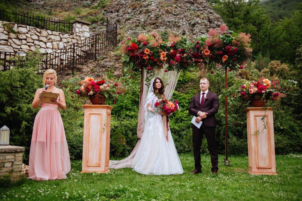 vyezdnaya-ceremoniya-krym-1024x683 Свадебный организатор – это выгодно, картинка, фотография