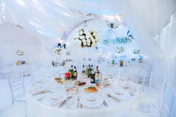 svadba-v-shatre-krym-1024x683-563x375 Свадьба в шатре в Крыму: оригинально и красиво, картинка, фотография