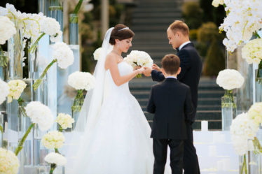 vedushhee-svadebnoe-agentstvo-krym-1024x683-374x249 Ведущее свадебное агентство Крыма: 5 откровений об отношении к работе, картинка, фотография