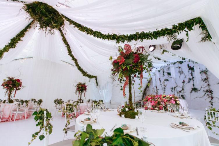 zakaz-shater-na-svadby-Krym-2-1024x683-753x502 Свадьба в шатре в Крыму: оригинально и красиво, картинка, фотография