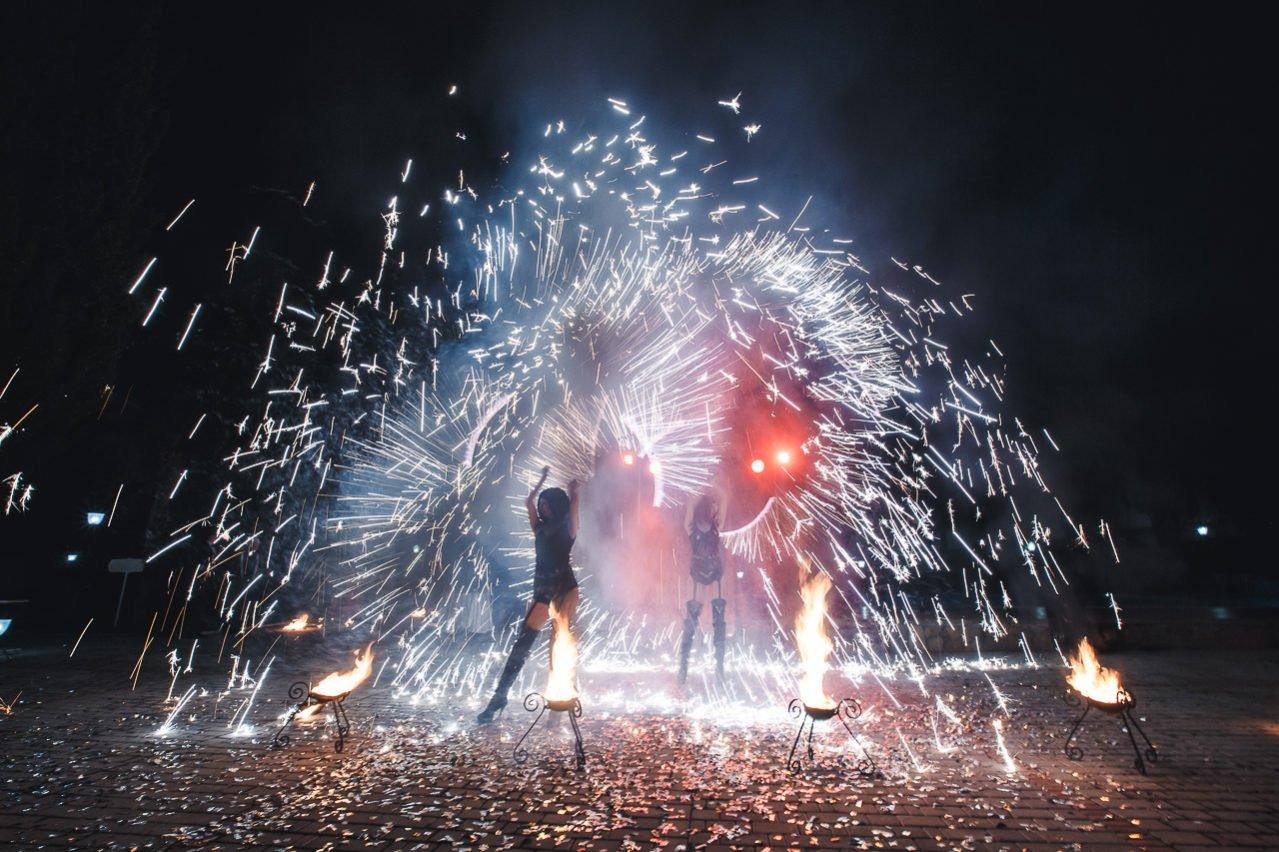 Фаер шоу на свадьбу в Крыму