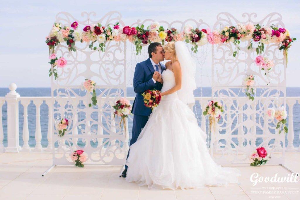 svadba-na-beregu-morya-1024x683 Свадьба в Крыму на берегу моря, картинка, фотография