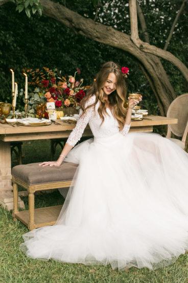9148d6f941d022ca9a42c03e21d31792_1277178-368x553 Свадьба осенью в Крыму. Самая детальная инструкция по воплощению, картинка, фотография