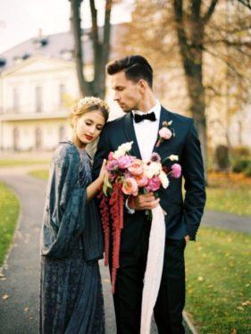 obraz-zheniha-i-nevesty-krym-281x374 Свадьба осенью в Крыму. Самая детальная инструкция по воплощению, картинка, фотография