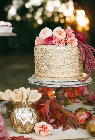 svadebnyj-tort-krym-7-368x544 Свадьба осенью в Крыму. Самая детальная инструкция по воплощению, картинка, фотография