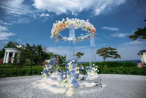 svadebnye-arki-1-563x376 Идеи оформления выездной церемонии: 7 беспроигрышных вариантов, картинка, фотография