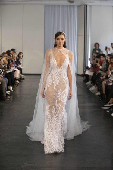 trendy-svadebnykh-platev-2019-25-375x562 Свадебное платье 2019: самые стильные тренды, картинка, фотография