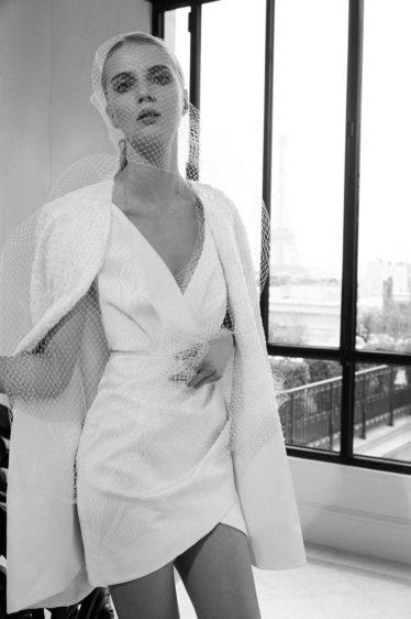 trendy-svadebnykh-platev-2019-9-374x562 Свадебное платье 2019: самые стильные тренды, картинка, фотография