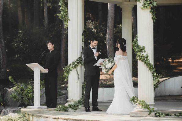 LW-121-595x397 Ведущий на свадьбу. Каким он должен быть?, картинка, фотография