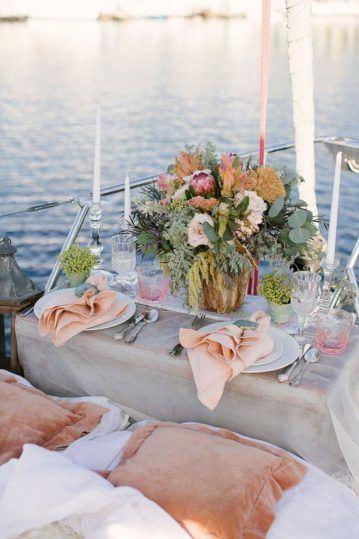 svadba-na-yahte-v-krymu-9-359x539 Свадьба на яхте в Крыму: все, что нужно знать о морском путешествии в новую жизнь, картинка, фотография