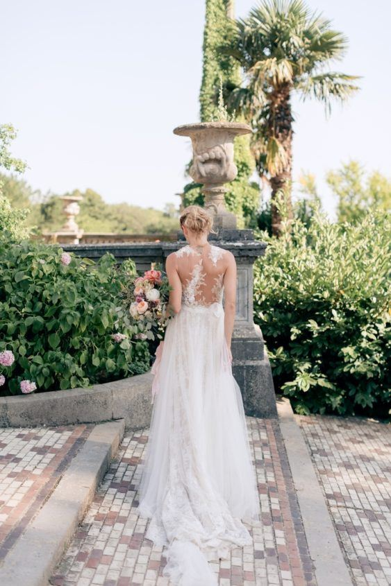 svadba-v-krymu-na-ville-2-2-563x845 Свадьба в Крыму на вилле. Важные отличия от свадьбы в ресторане, картинка, фотография