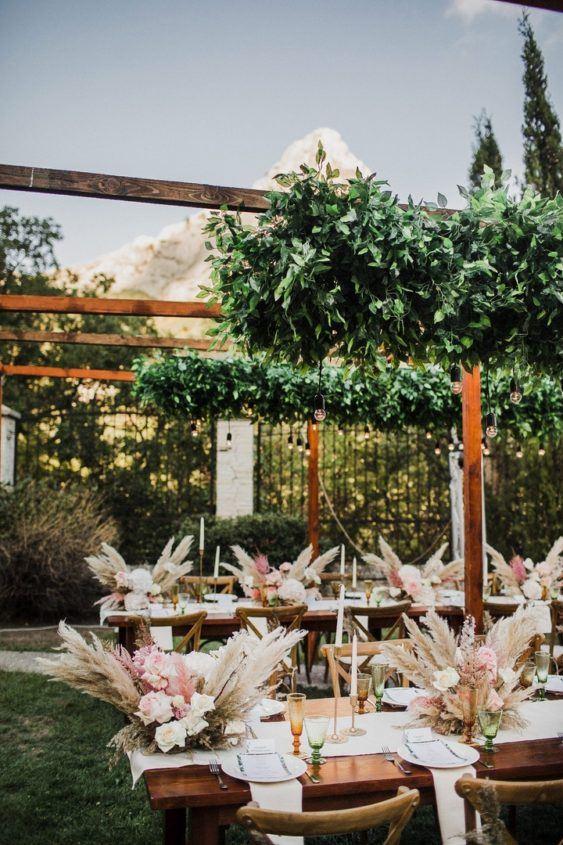 svadba-v-krymu-na-ville-2-5-563x845 Свадьба в Крыму на вилле. Важные отличия от свадьбы в ресторане, картинка, фотография