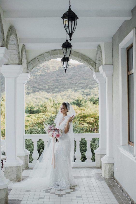 svadba-v-krymu-na-ville-5-564x845 Свадьба в Крыму на вилле. Важные отличия от свадьбы в ресторане, картинка, фотография