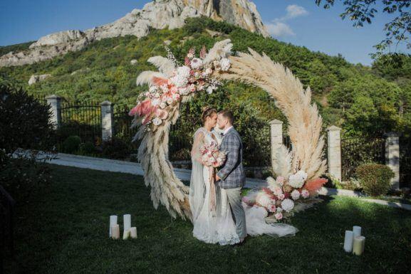 svadba-v-krymu-v-gorah-3-2-577x385 Свадьба в Крыму в горах, картинка, фотография