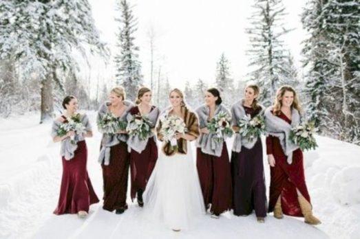 chto-nadet-na-svadbu-zimoj-gostyam-3-1-523x348 Что одеть на свадьбу зимой гостям?, картинка, фотография