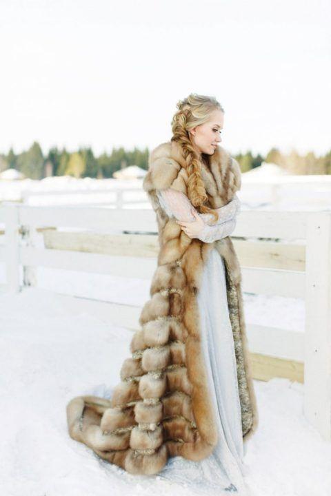 plate-zimoj-11 Платье невесты зимой: лайфхак «Как сделать свой образ незабываемым», картинка, фотография