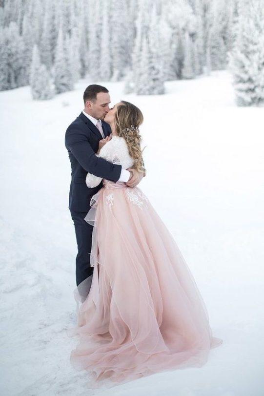 plate-zimoj-7-541x811 Платье невесты зимой: лайфхак «Как сделать свой образ незабываемым», картинка, фотография